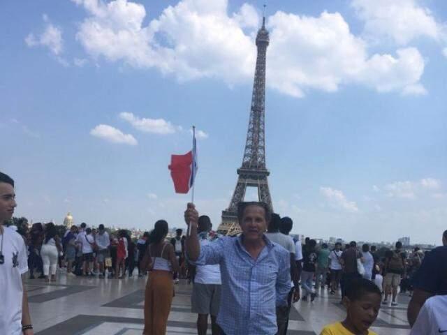 Jornalista acompanhou fase final do torneio em Paris e relata momento de união do país (Foto: Arquivo pessoal)