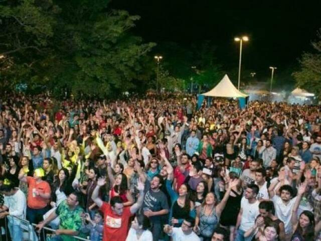Público do Festival de Inverno de Bonito, em edição passada. (Foto: Divulgação/Fundação de Cultura)