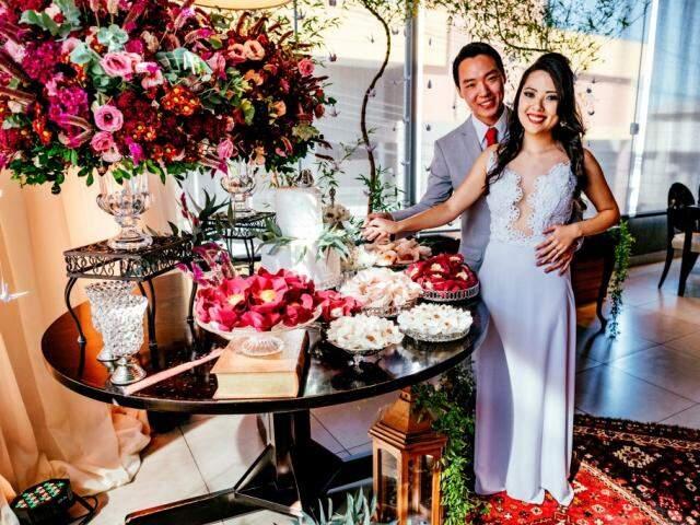 Eizo e Débora queriam uma cerimônia única e íntima e ficaram felizes com o resultado. (Foto: Renan Kubota)