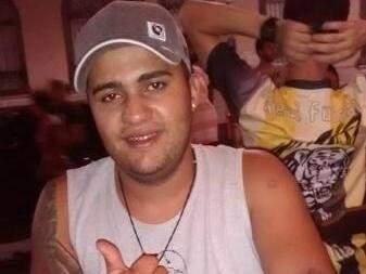 Alisson chegou a ser preso em 2016 por morte de travesti. Solto, foi flagrado com drogas.