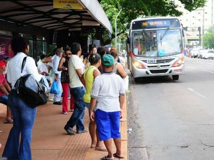 Passe de ônibus aumenta para R$ 3,70 a partir de domingo, decreta prefeito