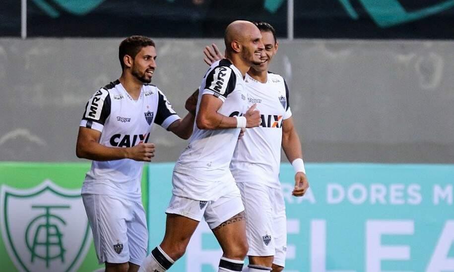 Fábio Santos marcou o primeiro gol do Galo na vitória sobre o América (Foto: Divulgação)