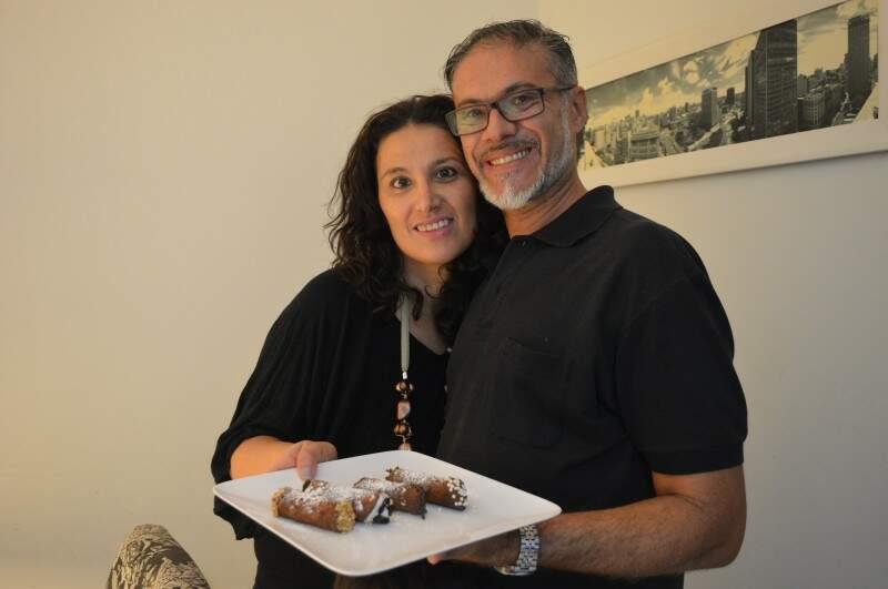 Elaine e Giancarlo superaram a distância e os anos para ficarem juntos (Foto: Naiane Mesquita)