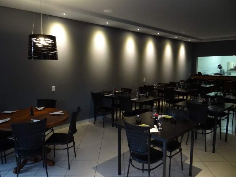 Em um ambiente tranquilo e aconchegante, Natori funciona de segunda a sábado, das 19h à 0h.