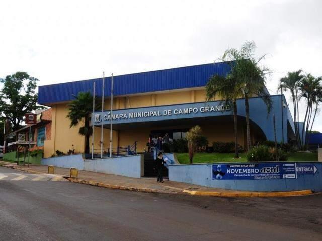 Câmara Municipal está fazendo mais uma reforma em seu prédio (Foto: Paulo Francis)
