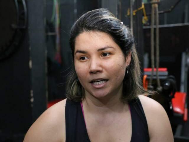 """Mayara é aluna da academia """"Só pra elas"""" e diz que se sente mais a vontade no local (Foto: Paulo Francis)"""