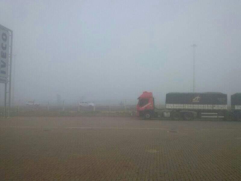 Visibilidade estava comprometida no início da manhã. (Foto: Repórter News)