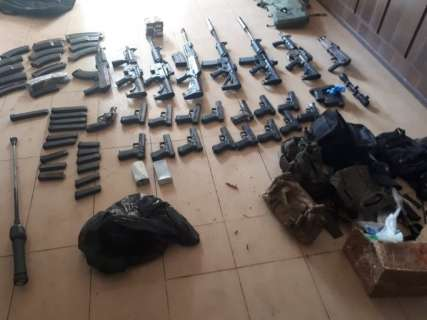 Gaeco denuncia guarda municipal à Justiça por posse de arsenal de guerra