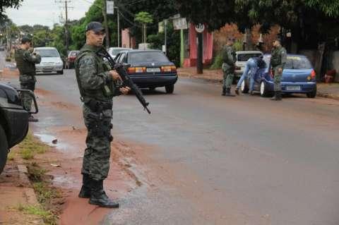 Bope fecha região do Nova Lima em busca de 38 foragidos da Justiça