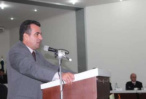 Réu em ação por corrupção foi feito presidente em eleição antecipada