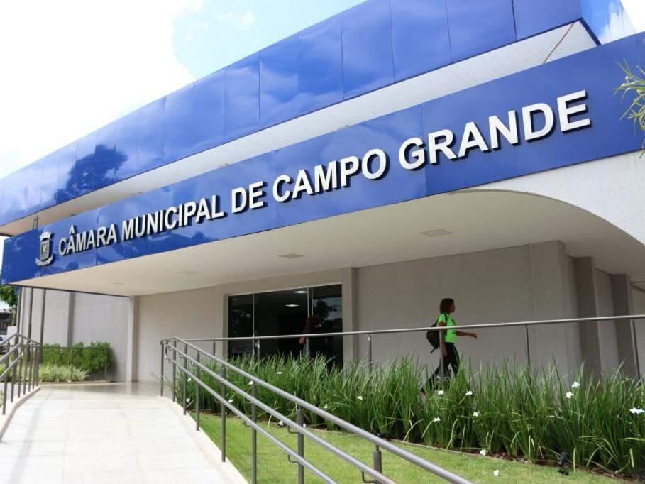 Fachada da Câmara Municipal de Campo Grande. (Foto: Herinque Kawaminami/Arquivo).