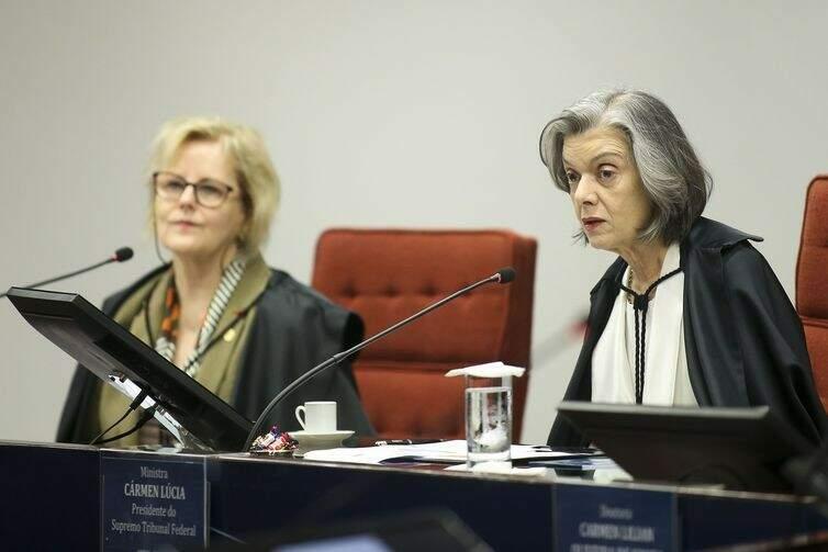 Da esquerda para a direita, as ministras Rosa Weber e Cármen Lácia (Foto: Agência Brasil)