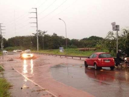 Chuva até quatro vezes acima do normal deixa Defesa Civil em alerta
