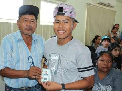Ação pública entrega 386 carteiras de identidade em Sidrolândia