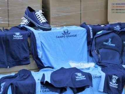 Prefeitura reduz valor em R$ 8 milhões e reabre compra de uniformes escolares