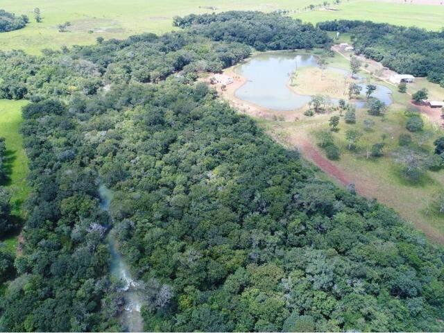 A imagem mostra o rio da Prata, à esquerda. O lago particular está no canto direito superior. (Foto: Ângelo Rebelo/Arquivo).