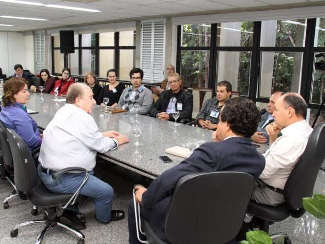 Representantes da Anoreg reunidos com deputados estaduais nessa quarta (Foto: Wagner Guimarães)