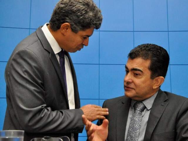 Deputados Rinaldo Modesto (PSDB) e Marçal Filho (PSDB), durante sessão (Foto: Assessoria/ALMS)