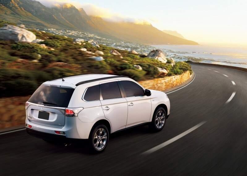 Mitsubishi apresenta o novo Outlander 2014