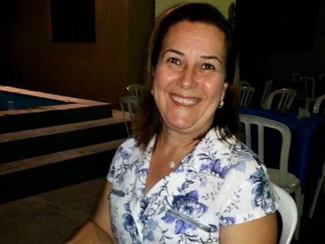 Professora foi perseguida e levou dois tiros no tórax, morrendo no local (Foto/Reprodução: Facebook)