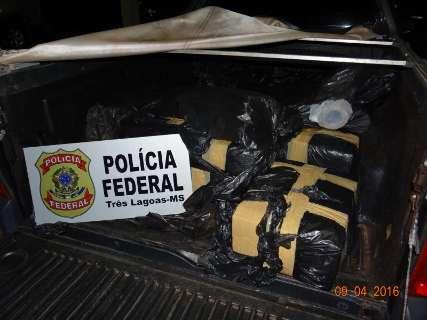 PF procura por homens que abandonaram veículo com 204 kg de maconha
