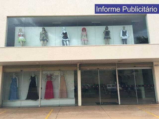 Há mais de sete anos trabalhando com o e-commerce, a loja Adele Moda Feminina abre as portas físicas com o aluguel de roupas de festa (Foto: Divulgação)