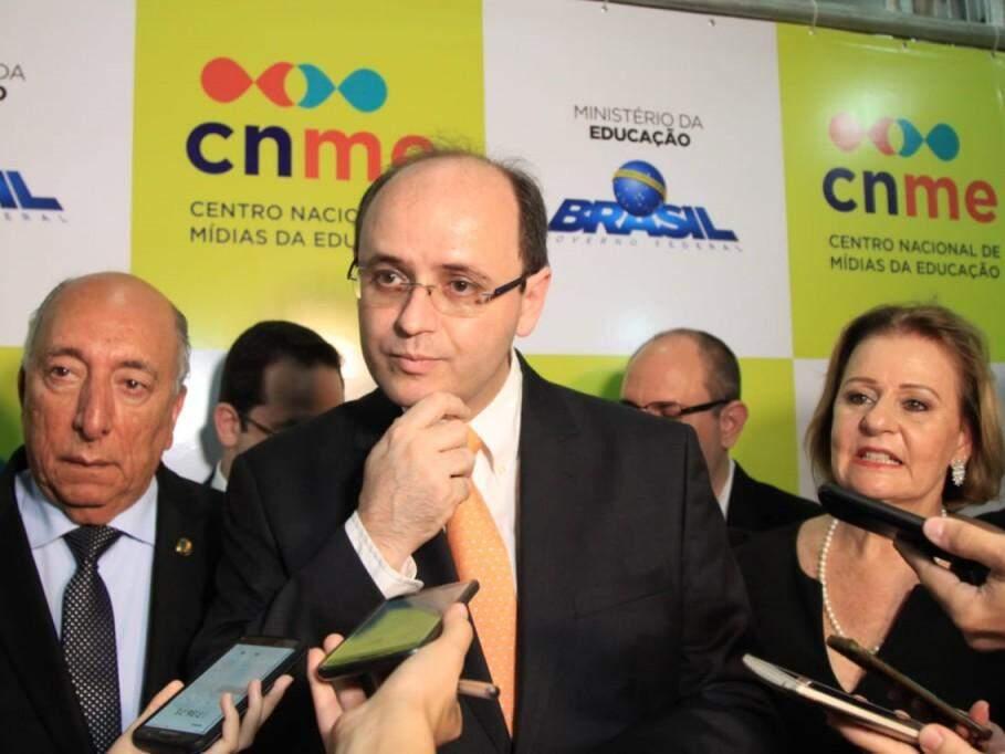 Ministro da Educação, Rossieli Soares da Silva, durante entrevista coletiva em Campo Grande nesta terça-feira (Foto: Marina Pacheco)