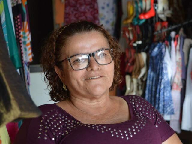 Mãe de 4 filhos e dona do próprio negócio, ela conta que foi graças ao ofício de empregada doméstica que realizou sonhos. (Foto: Thailla Torres)
