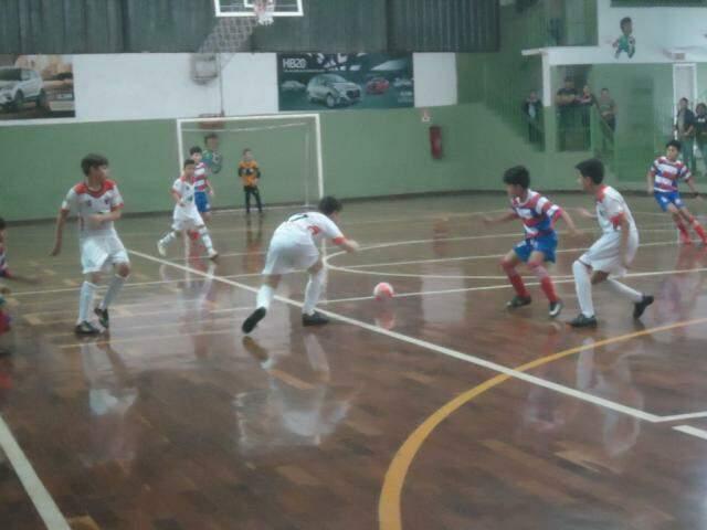 Rodada da Copa Pelezinho de futsal movimenta times de base de MS (Foto: Divulgação)