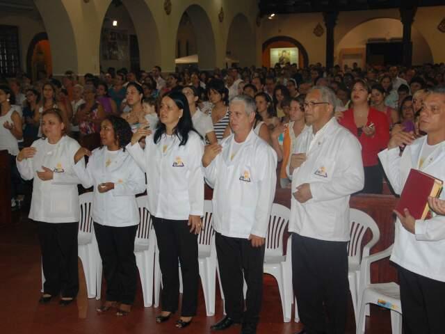 Durante a celebração Ministros da Eucaristia também renovam votos.