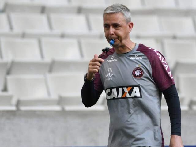 Técnico Tiago Nunes comanda último treino antes da partida decisiva (Foto: Miguel Locatelli/Site Oficial)