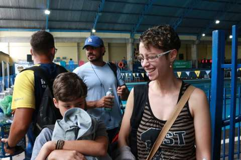 Festival de Natação reúne 260 atletas de 4 estados no Rádio Clube