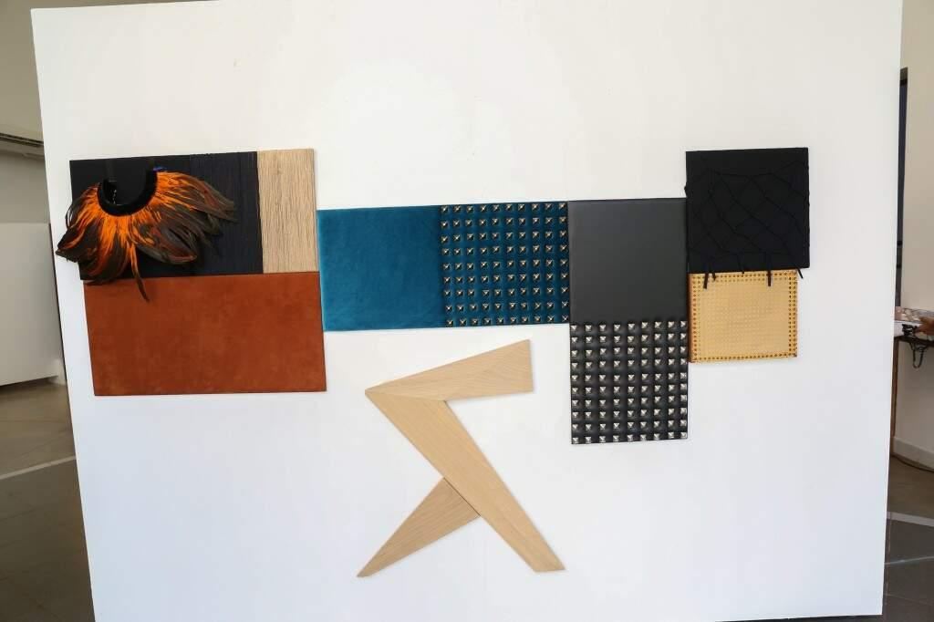 Várias texturas foram coladas na parede (Foto: Paulo Francis)
