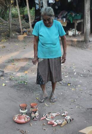 Joana na aldeia Alves Barros. (Foto: Messias Basques)