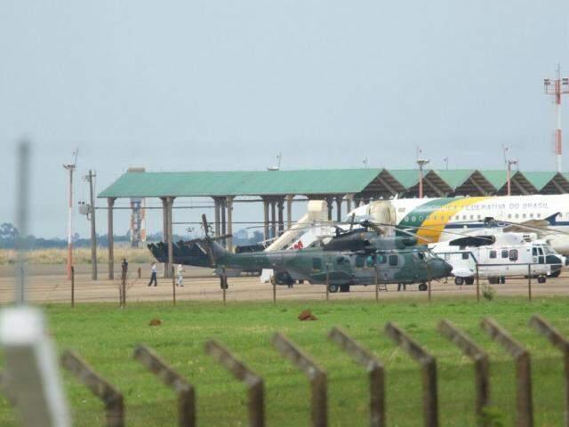 Avião da presidência na Base Aérea, em Campo Grande. (Foto: André Bittar).