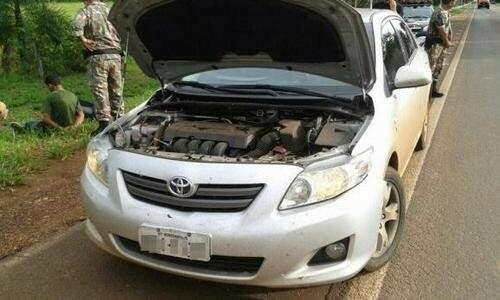 Veículo roubado no MT e recuperado de posse da quadrilha em MS. (Foto: Divulgação/ PRF)