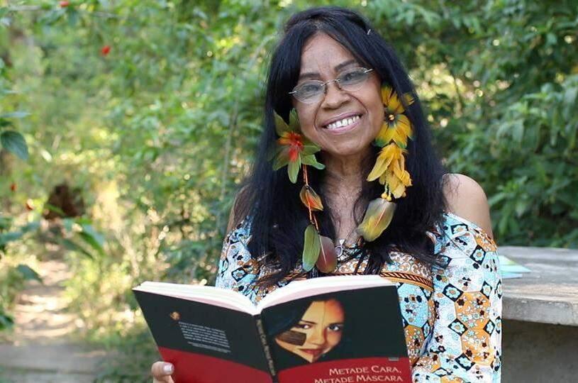 Eliane Potiguara que é escritora, ativista e empreendedora indígena.