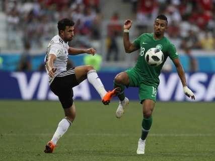 Arábia Saudita vence o Egito de virada nos últimos minutos do jogo