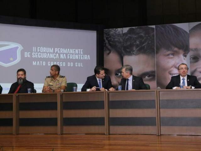 Fórum Permanente de Segurança na Fronteira é realizado hoje em Campo Grande. (Foto: Kisie Ainoã)