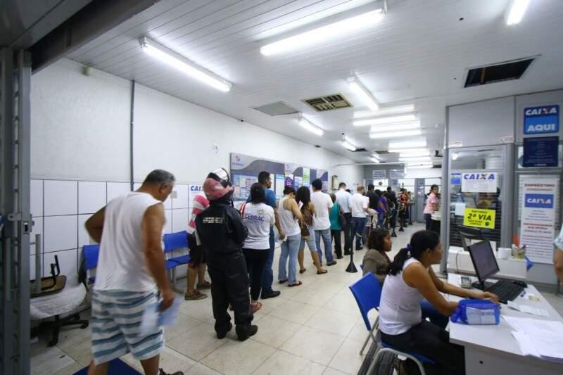 Lotérica na região Central da Cidade, onde movimentação também foi grande. (Foto: André Bittar)