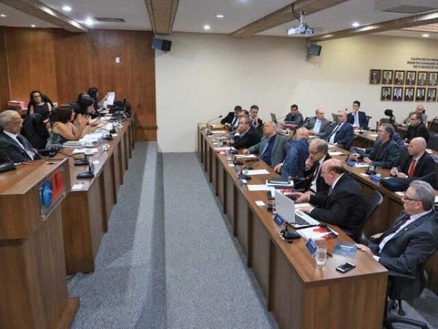 Sessão do tribunal de ética e disciplina, realizada nesta sexta-feira (20). (Foto: Divulgação)