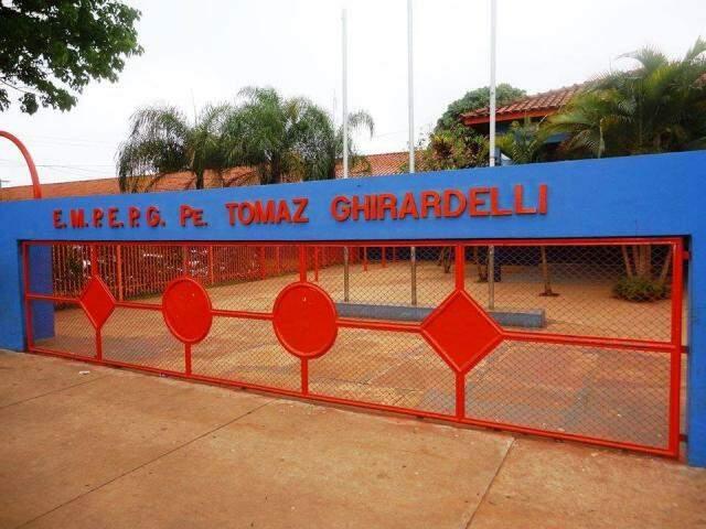 A Escola Municipal Padre Tomaz Ghirardelli é uma das unidades que aderiu a paralisação (Foto: Direto das Ruas)