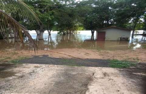 Rio Taquari baixa, mas município e ribeirinhos continuam em alerta