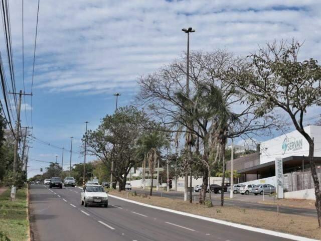 Avenida Mato Grosso na tarde desta sexta-feira em Campo Grande (Foto: Fernando Antunes)