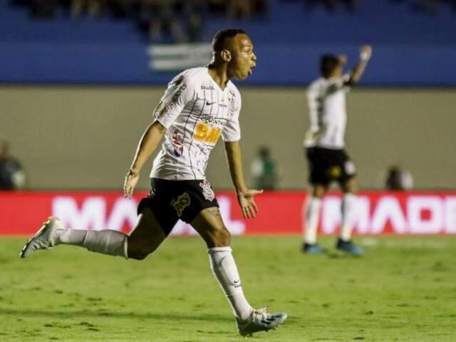 Janderson comemorando o seu gol em campo. (Foto: Rodrigo Gazzanel/Agência Corinthians)