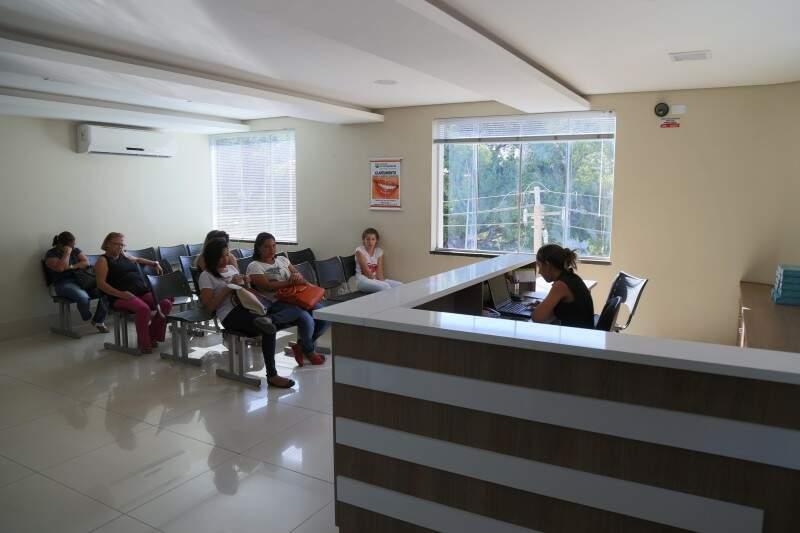 Para atender clientes, consultório passou por ampla reforma. (Foto: Fernando Antunes)