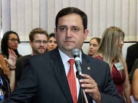 Márcio Fernandes diz que trabalha hoje para pleitear a reeleição, mas admite mudar projeto a pedido do PMDB. (Foto: Arquivo)