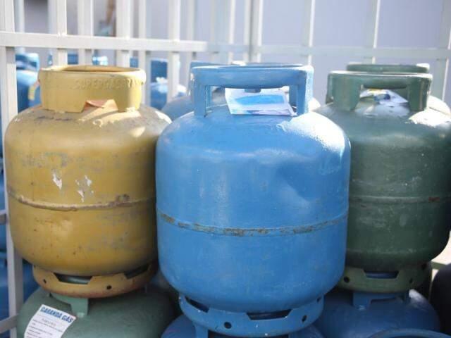 Valor do gás de cozinha sofreu leve queda em Campo Grande (Foto: Paulo Francis/Arquivo)