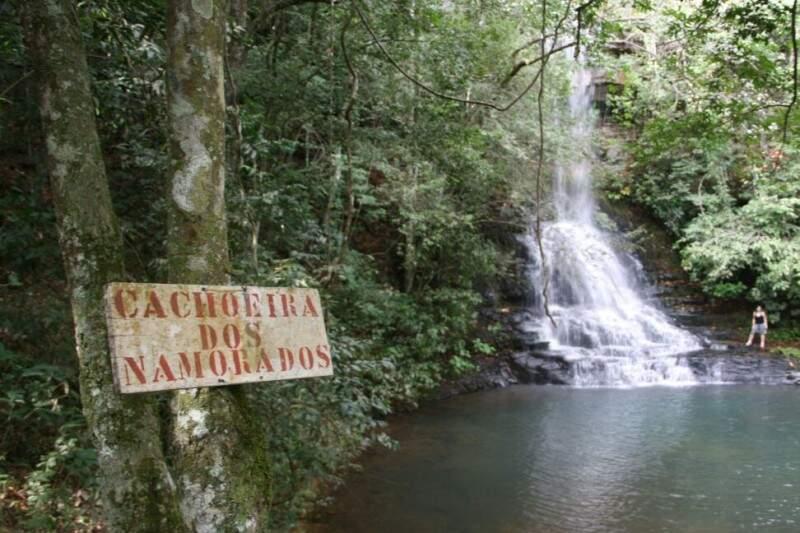 Cachoeira dos Namorados embalou relacionamento dos donos de estância (Foto: Marcos Ermínio)