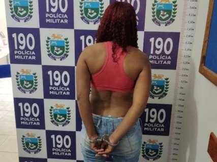 Mulher envolvida em assalto a casa de prefeito é presa e 2 são procurados